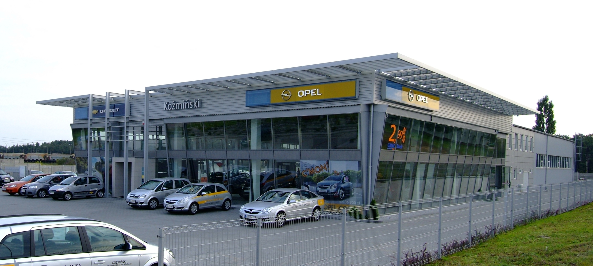 Hala handlowa - Opel Koźmiński
